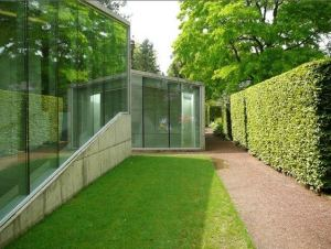 hedge-house-2